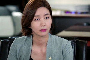 HAEGYEONG defends DEULHO who is wrongfully accused of murder [My Lawyer, Mr. Joe]
