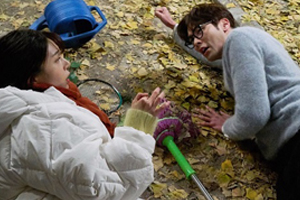 \'Jugglers\' Yuni & Chiwon engage in a fierce fight under the gingko tree! [Jugglers]