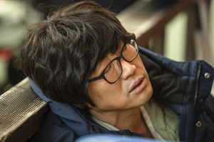 Park Shin Yang is passed out on the street in \'My Lawyer, Mr. Joe 2\'?