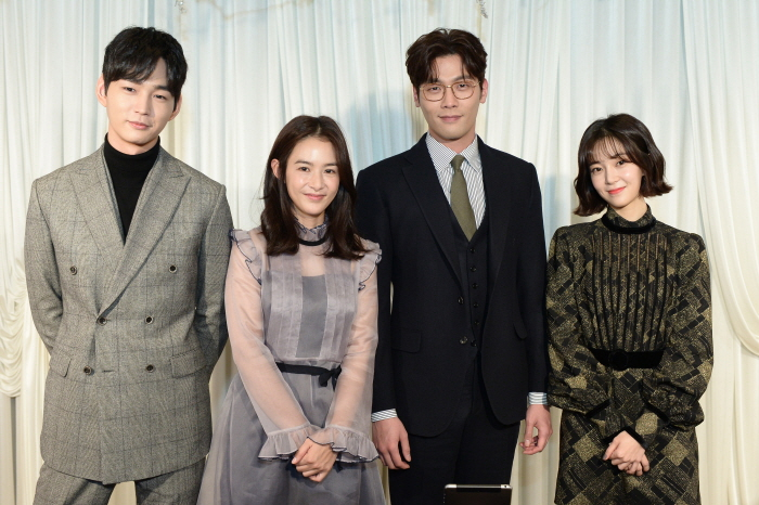 Jugglers' Press Conference: Meet the Cast! [Jugglers]