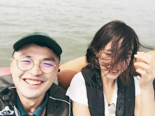 Hong Soo Hyun\'s agency, Contents Y, confirmed that Hong Soo Hyun and MicroDot are dating.