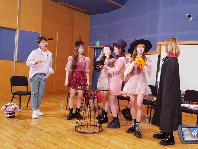 OH MY GIRL will open up the 5th season of \\\'A Song For You\\\'!