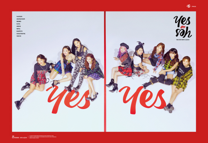 TWICE\\\'s min album \\\'Yes or Yes\\\' topped both Oricon\\\'s weekly album chart and digital album chart in Japan.