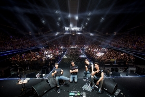 CNBLUE spends their Valentine\'s Day in Singapore