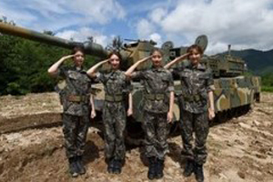 DREAMCATCHER experiences army life!
