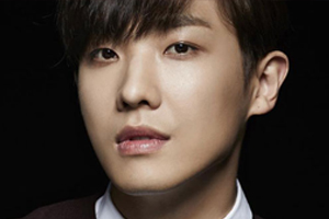Lee Joon evacuated during earthquake in Mexico and confirms he is safe.
