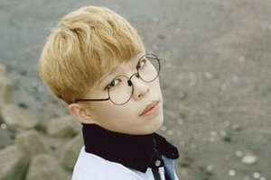 AKMU\'s Lee Chanhyuk to enlist in the military service in September.