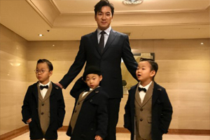 Song Triplets are the youngest to walk the red carpet at the Busan International Film Festival!