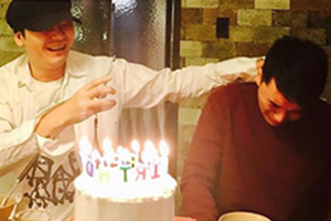Yang Hyun Suk moves Seungri to tears with surprise b-day party