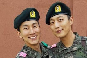 Seo Eunkwang & Yoon Dujun\'s reunion at military training center