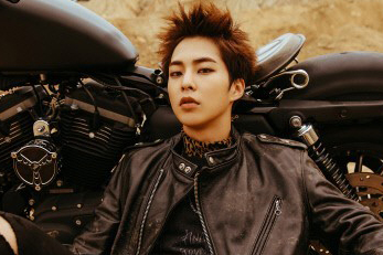 EXO\'s Xiumin to enlist in the military in May