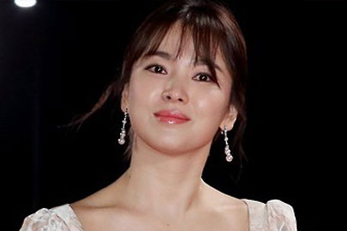 Song Hye Kyo signs with Hong Kong-based film production company