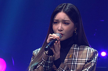 Chung Ha shows off her rap skills and English on \'Yu Huiyeol\'s Sketchbook\'