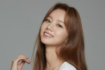 Girl\'s Day\'s Hyeri signs with a newly created agency