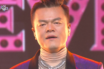 JYP\'s amazing stage & the show congratulates him [Music Bank]
